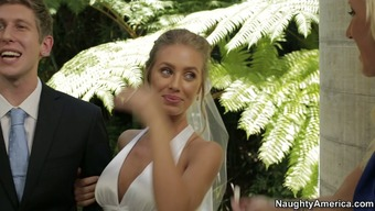 Nicole Aniston hack on her fiance at the wedding day