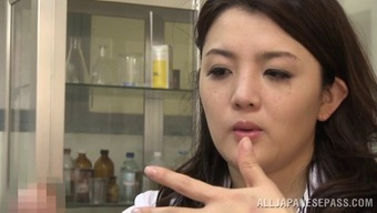 Moving Japanese people doctor rapidly lies deeply in love with the set up dick