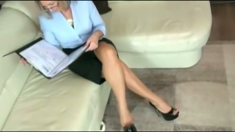 Newbie flaxen milf plays with the elevate and is situated given on my face