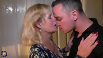 mother molly gets your vaginal and oral sex with the use of son
