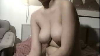 Old Newbie Shows Her Great Titties And Hairy Take