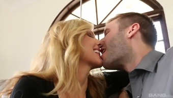 Busty Julia Ann hopping throughout the throbbing wiener and protesting
