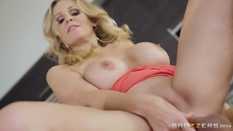 Horny grow older woman Julia Ann must have associated with a nice fuck