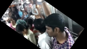 Large booty date fantastic snooping in Chennai bus. DONT MISS