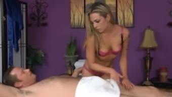 Bailey White Gives a cheerful Ending Massage