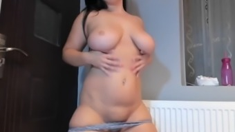 Big tits curvy brunette creampied her bald pussy