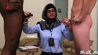 Spicy latina perfection Mia Khalifa gets licked and teased